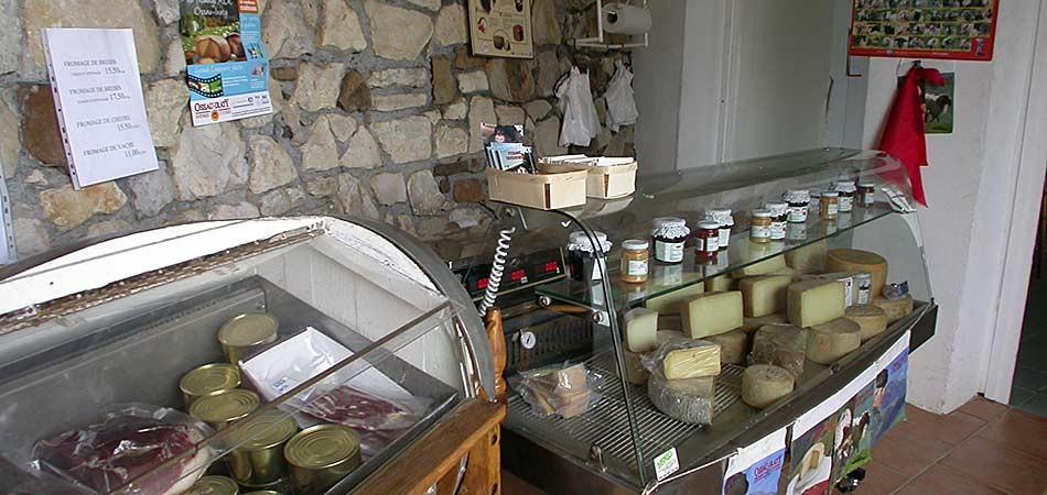 vente de fromages fermiers aoc ferme larramendy hasparren pays basque. Black Bedroom Furniture Sets. Home Design Ideas